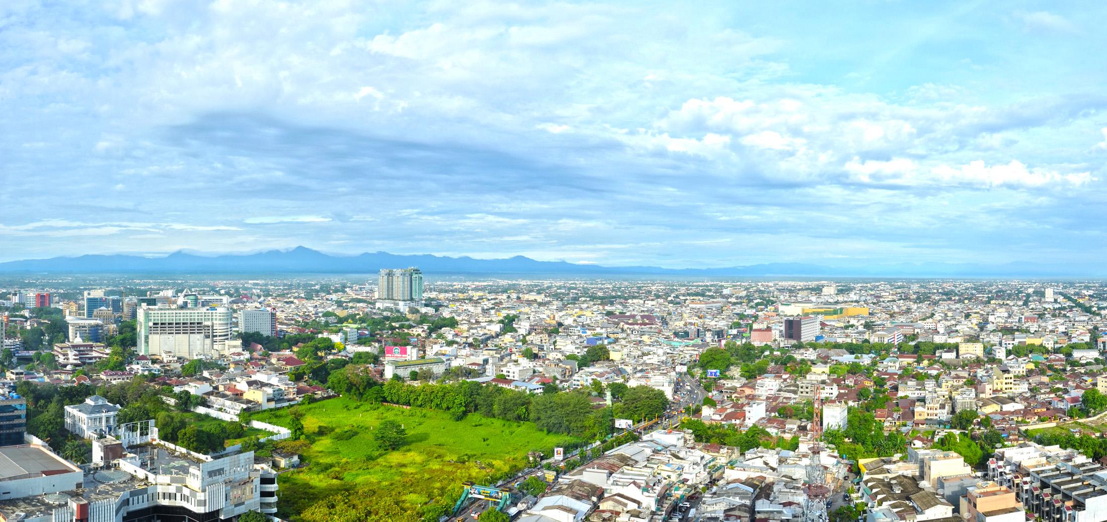 Kota Medan Adalah Ibu Kota Provinsi Sumatera Utara Indonesia Kota ini merupakan kota TERBESAR di Pulau Sumatera kota Medan Merupakan Pintu Gerbang Wilayah